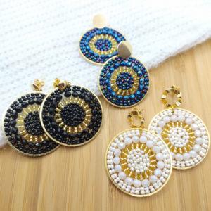 boucles-circulaires-perles-blanc noir et bleu sur JUA&CO