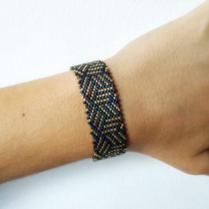 bracelet eclat dore bleu sur JUA&CO