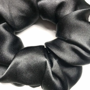 Chouchou en satin de soie noir intense