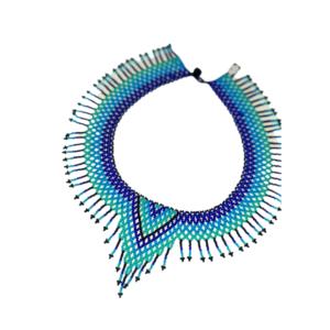 Collier EMbera Chami flèche bleu sur JUA&CO